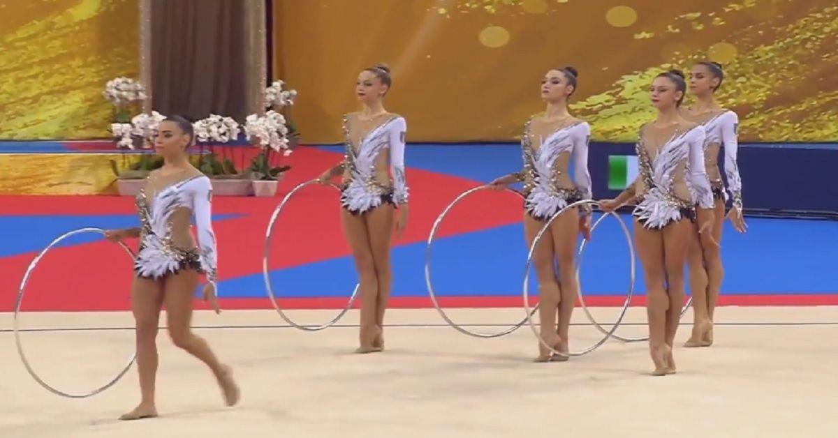 Le farfalle conquistano il pass per Tokio 2020 e ipnotizzano il pubblico con le loro coreografie.
