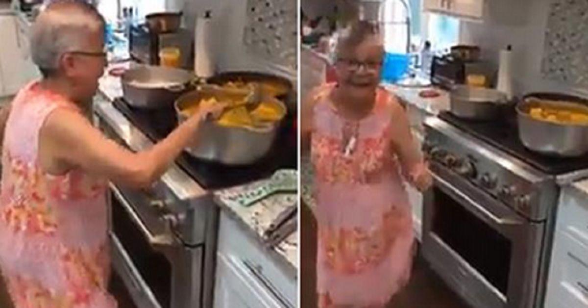 Il video di questa allegra nonna mentre cucina, diverte e sorprende tutti sui social