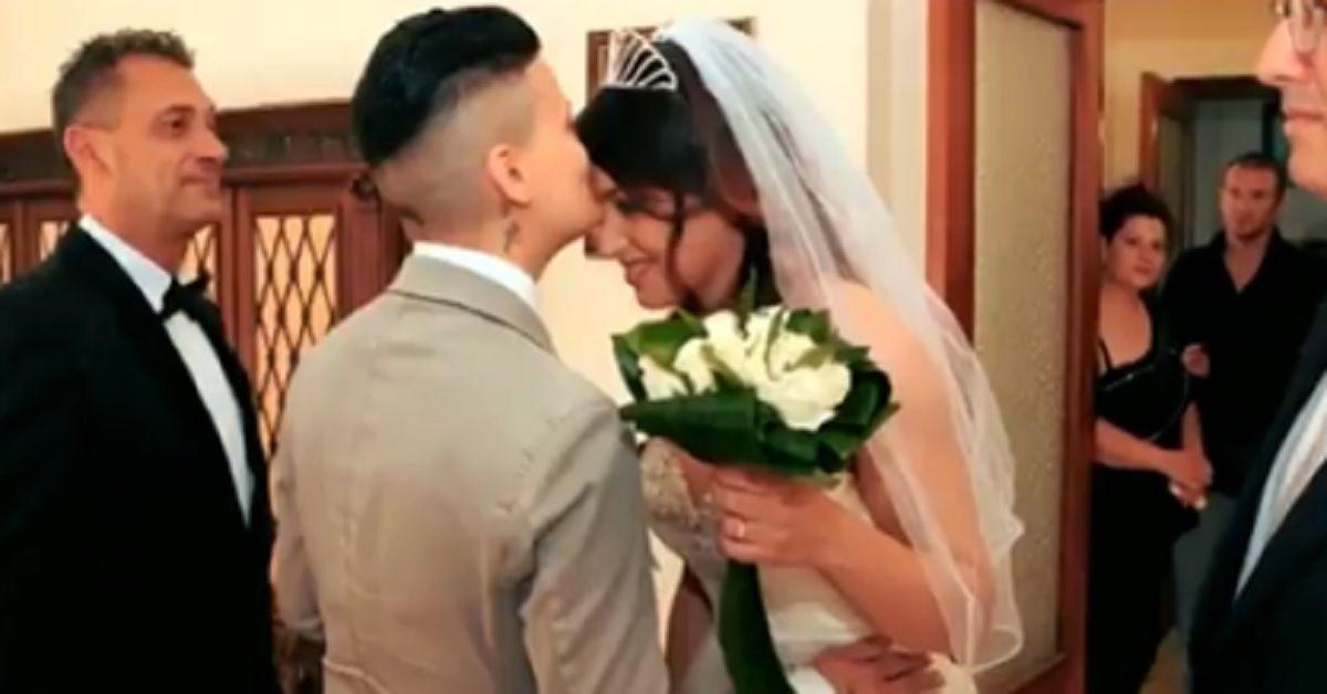 C'è Posta per Te: Denise e Deborah spose, anche la famiglia al matrimonio. Le foto