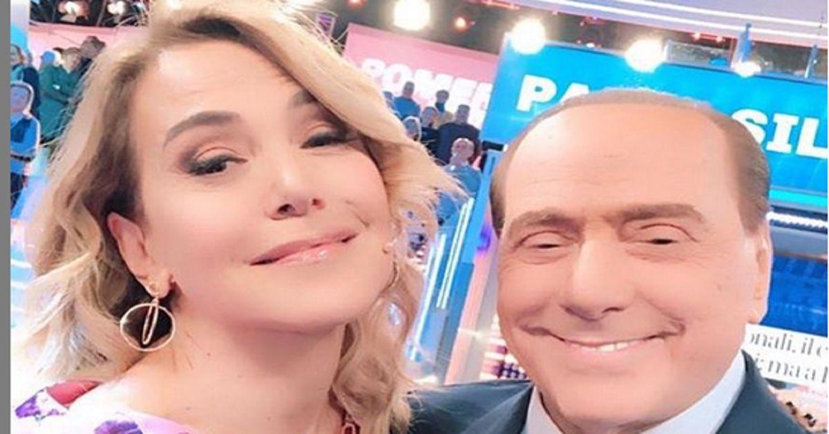 Barbara D'Urso incalzata da Sgarbi, rivela in diretta cosa accadde 40 anni fa con Silvio Berlusconi