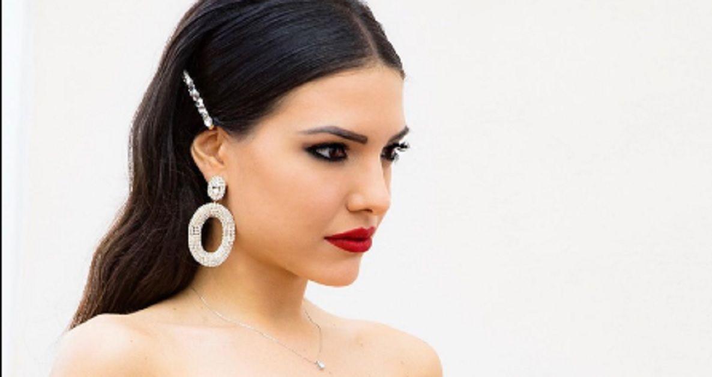 Criticata per il suo abito da sposa Clarissa Marchese reagisce in modo furente: esplode la bufera sui social