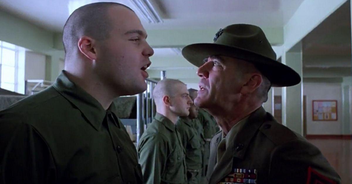 """Ricordate il soldato """"Palla di Lardo"""", celebre personaggio di """"Full Metal Jacket""""? Ecco che fa oggi."""