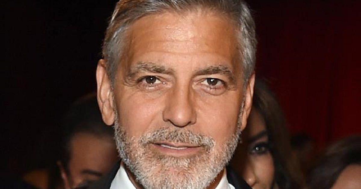 Sapete che George Clooney ha una sorella maggiore? Non sembra avere lo stesso fascino. L'avete mai vista? Eccola.
