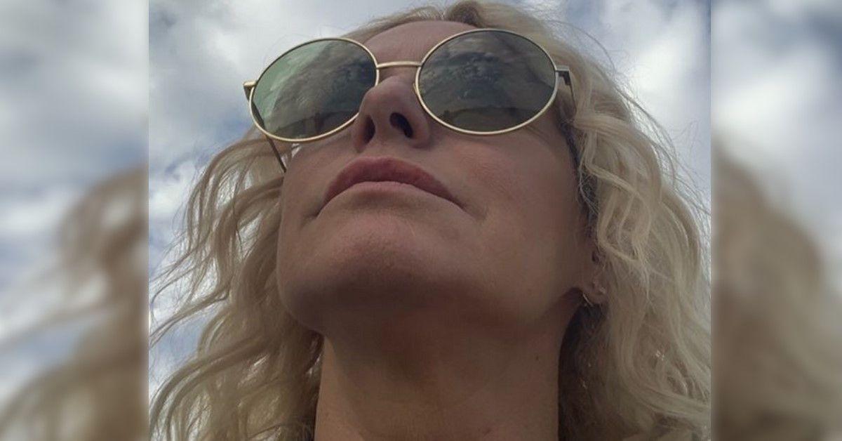 Antonella Clerici posta un video del maltempo che ha colpito la sua abitazione.  Momenti di tensione per la conduttrice e la famiglia