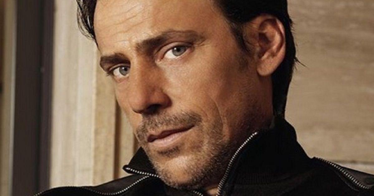 """Davide Devenuto è  Costello in """"Rosy Abate"""", l'attore è anche il compagno di una nota attrice italiana.  Ecco chi è"""
