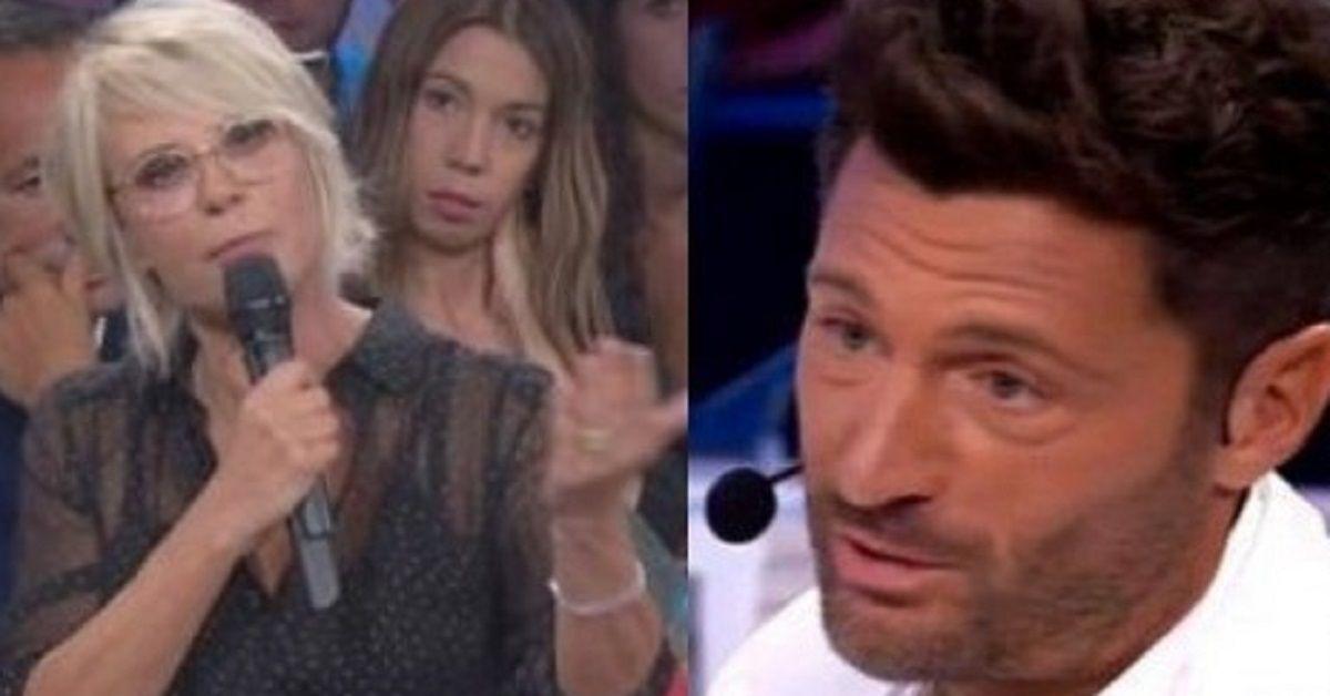 Amici Celebrities: Filippo Bisciglia si inginocchia e chiede scusa a Maria De Filippi. Le anticipazioni