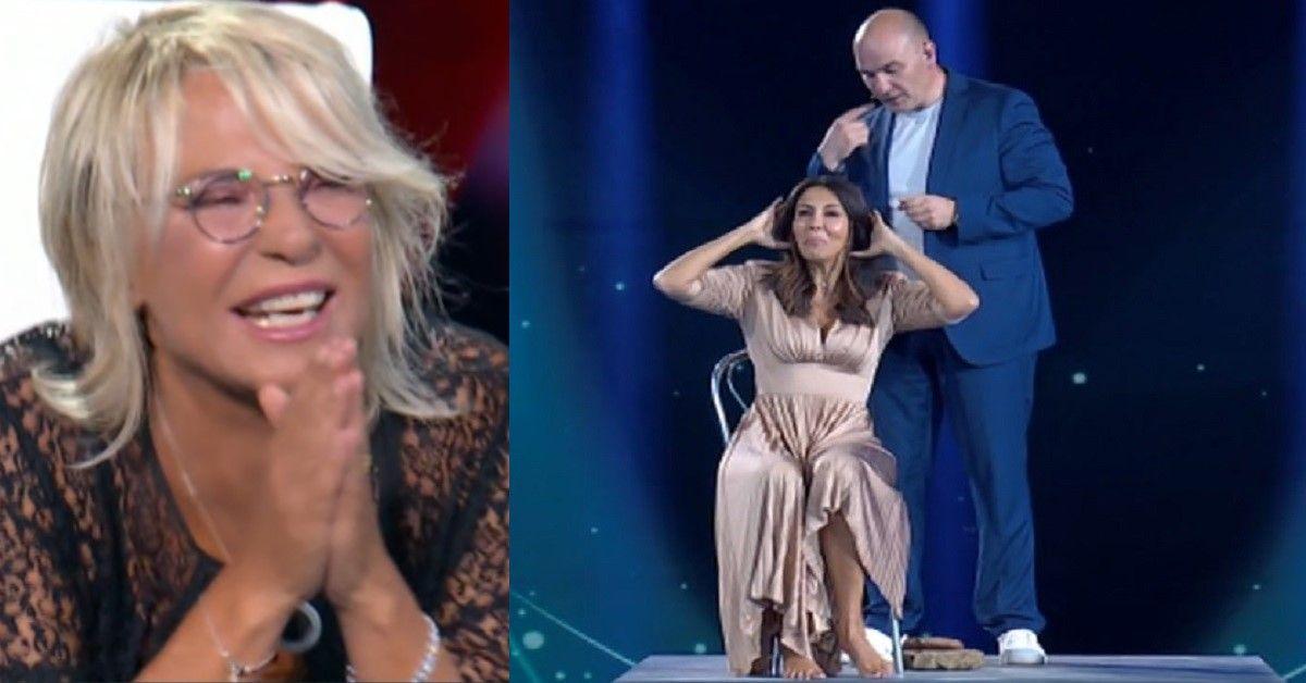 Tu si que vales: Maria De Filippi non riesce a smettere di ridere. Il motivo è Sabrina Ferilli. Ecco cosa è accaduto
