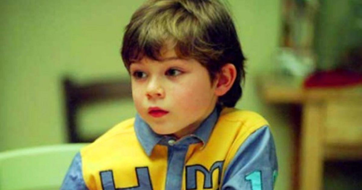 """Ricordate il piccolo Mimmo de """"I Cesaroni""""? Oggi è decisamente cresciuto ecco com'è e cosa fa."""