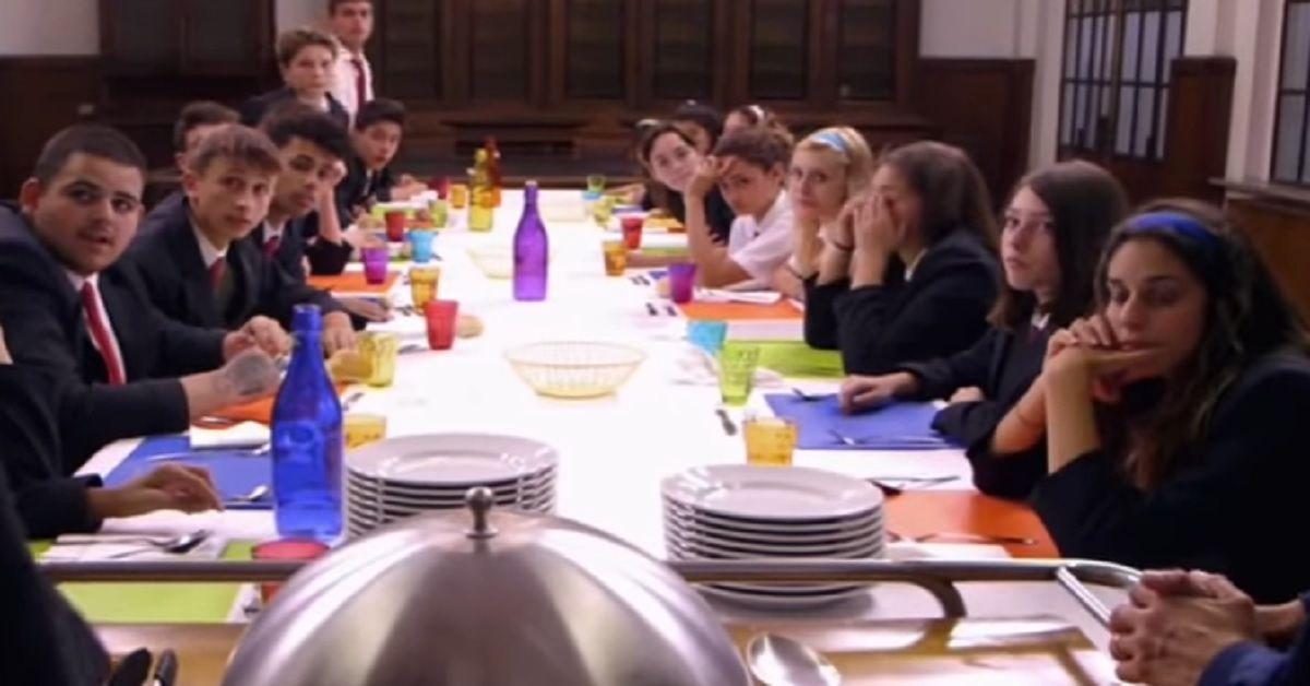 Il collegio: Il cibo sembra essere uno dei problemi degli allievi dell'istituto. Ex allieva racconta il momento della mensa e di essere dimagrita 5 chili