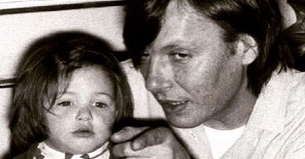 Avete mai visto la figlia di Fabrizio De Andrè, nata dal suo amore con Dori Ghezzi? Pochi la conoscono ma anche lei è nel mondo della musica
