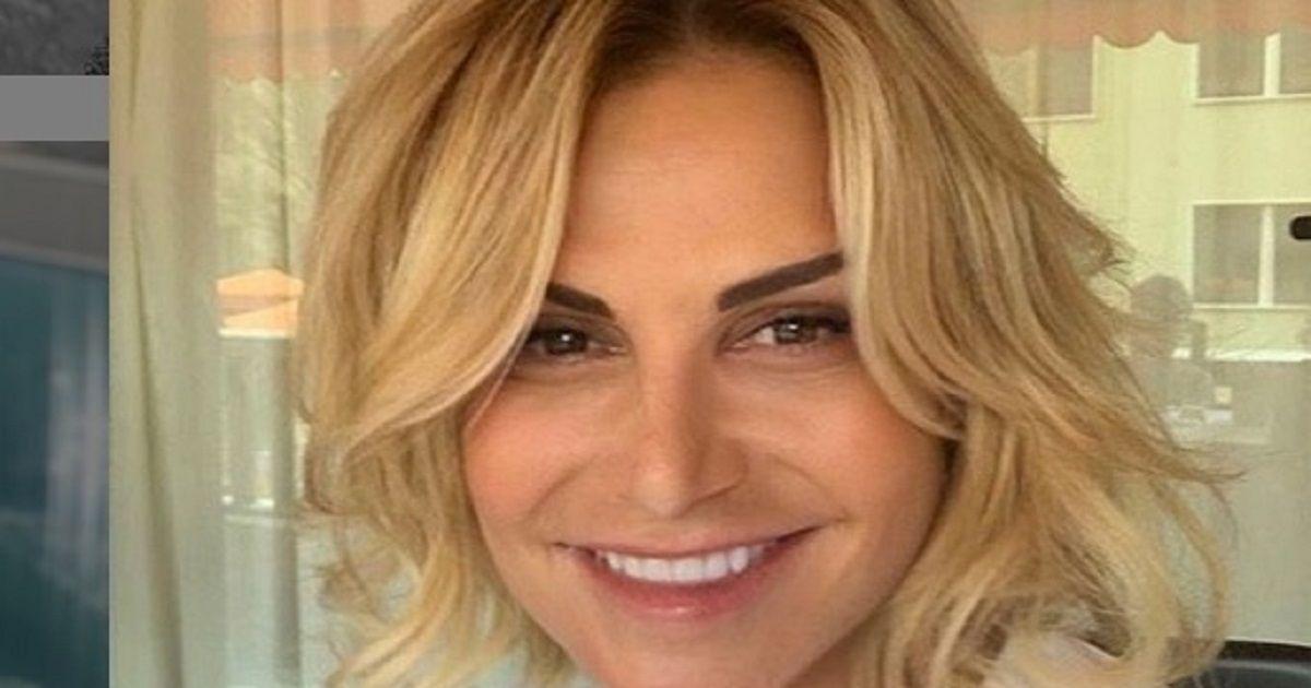 Simona Ventura innamorata di Giovanni Terzi, rivela com'è scattato l'amore.
