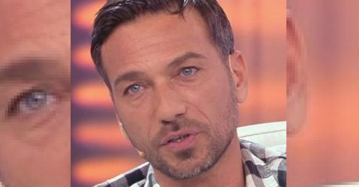 """Ricordate l'ex tronista di Uomini e Donne Costantino Vitagliano?  Ha rivelato: """"Sono salvo grazie a mia figlia"""""""