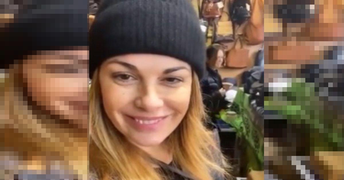 Vanessa Incontrada per le vacanze natalizie vende accessori in pelle in una bancarella di Barcellona come mostra su Instagram