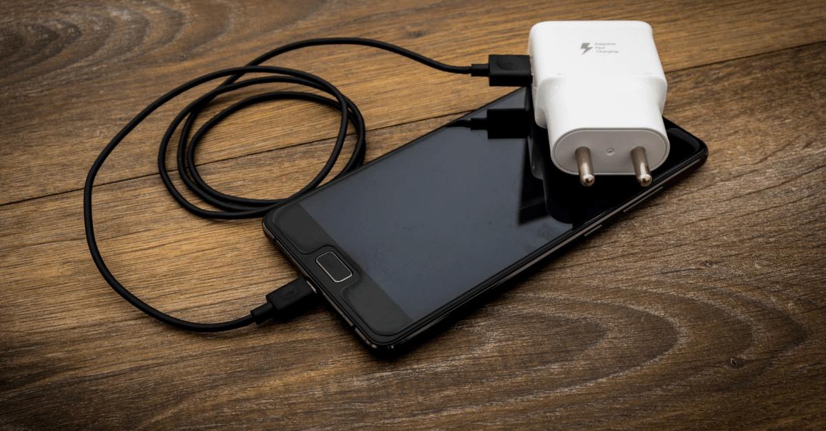 9 trucchi per prolungare la durata della batteria del telefono