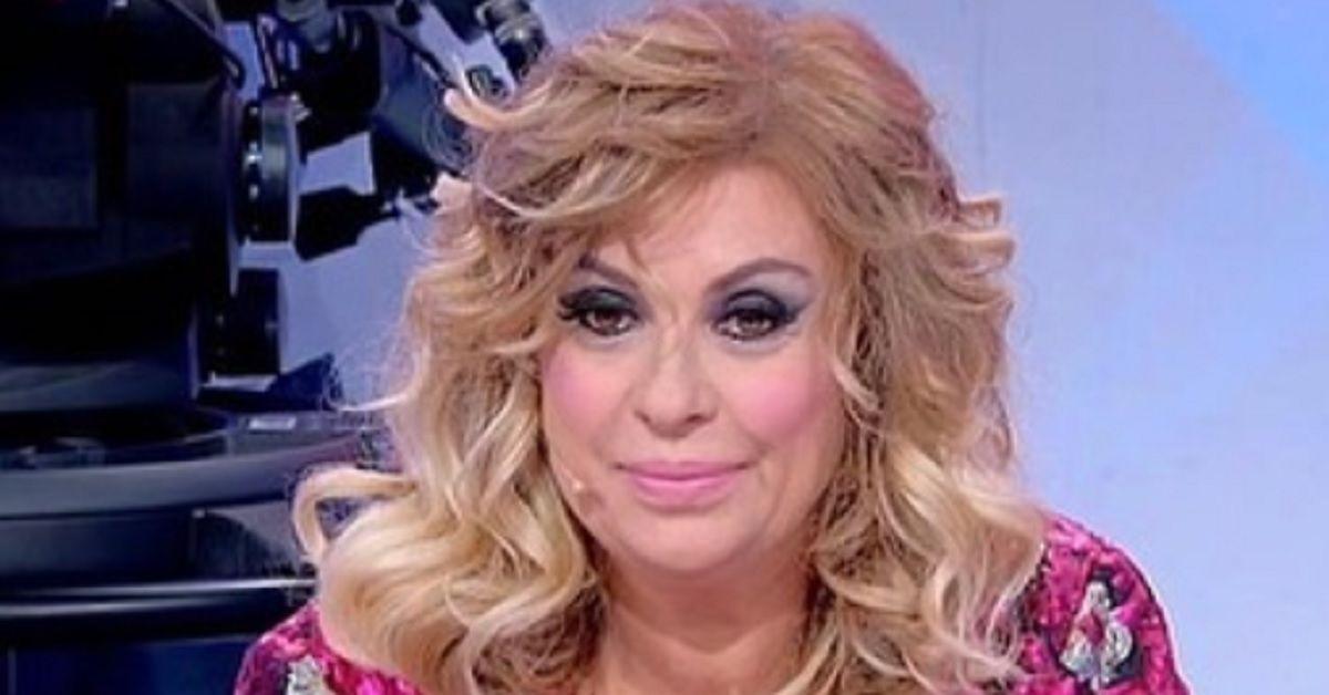 Tina Cipollari, la foto di Capodanno ha tolto ogni dubbio sulla crisi con il ristoratore fiorentino.