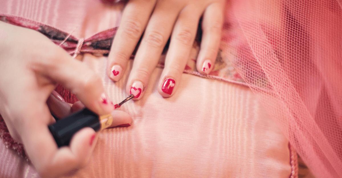 Il miglior colore per le tue unghie in base al tuo segno zodiacale