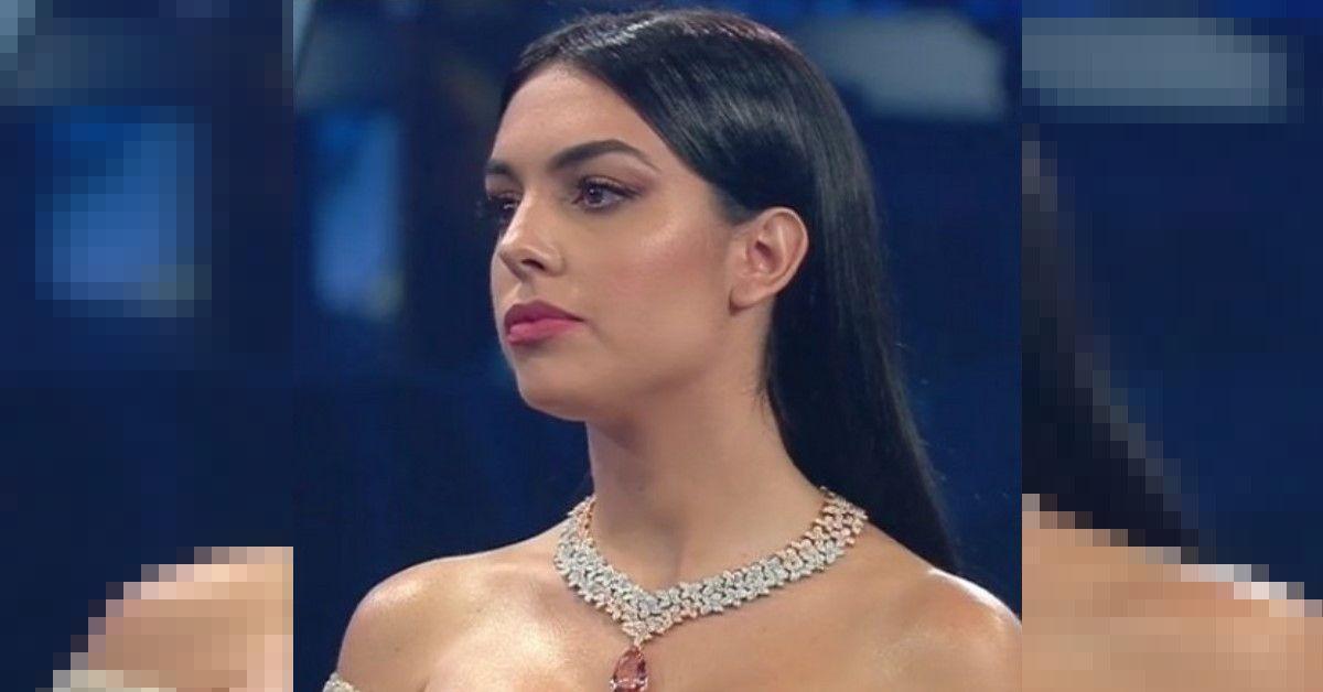 Sanremo 2020 Georgina scende le scale dell'Ariston ed ecco cosa succede sul Palco.
