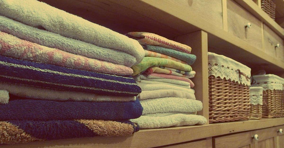 Un trucco meraviglioso in modo che i vostri strofinacci e asciugamani siano come nuovi