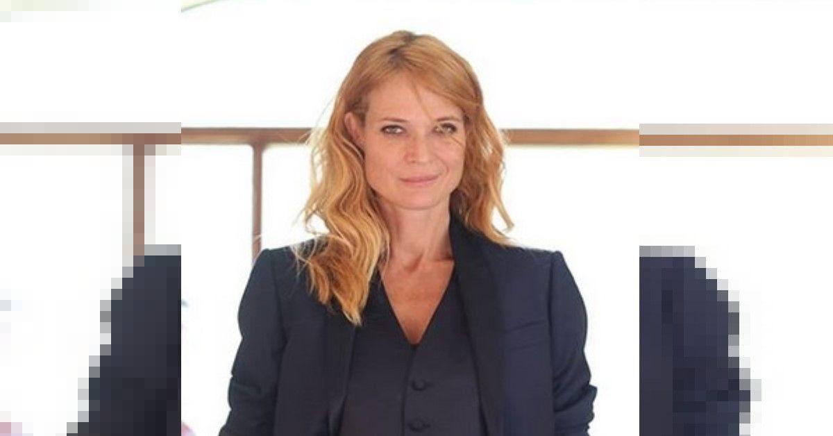 Jane Alexander senza trucco sui social, risponde a tono a chi la critica per il suo aspetto.