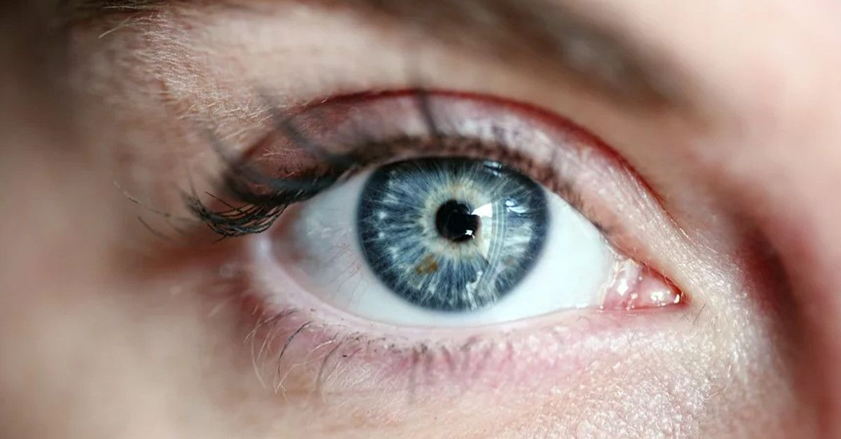 Guarda cosa succede ai tuoi occhi se smetti di sbattere le palpebre per 30 giorni di fila