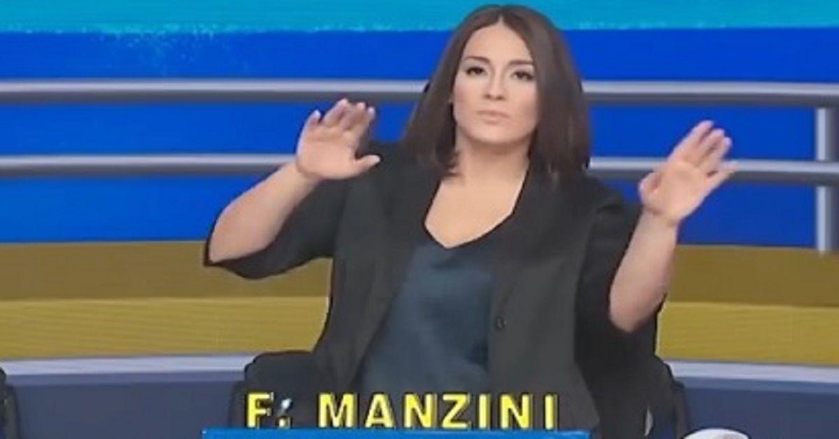 Avete mai visto il fidanzato di Francesca Manzini la nuova conduttrice di Striscia la Notizia? Ecco chi è, la presentazione sui social.
