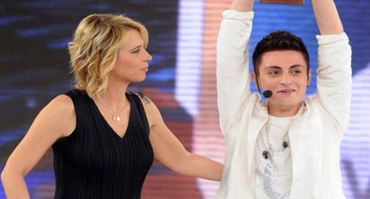 Ricordate Virginio Simonelli il vincitore di Amici 10? Ecco come lo ritroviamo oggi e cosa fa.