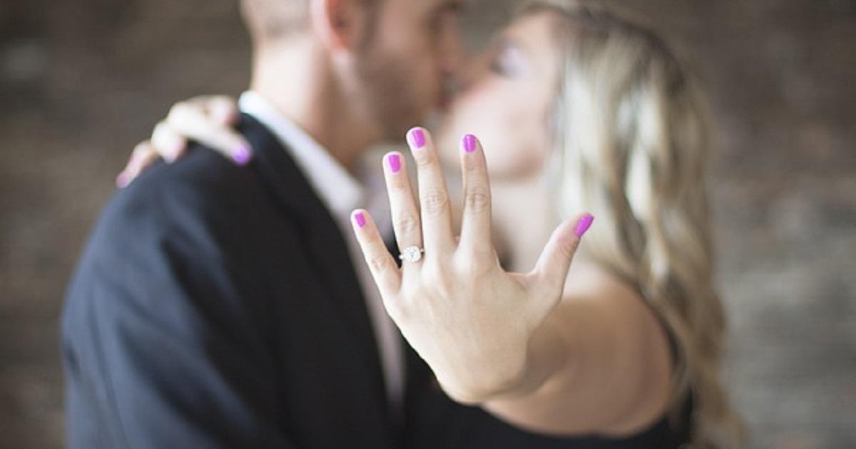 Errori che devi evitare quando compri un anello di fidanzamento