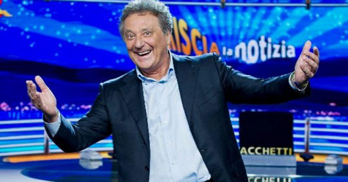 Avete mai visto il figlio di Enzo Iacchetti? Anche lui ama lo spettacolo, ha recitato insieme al padre.