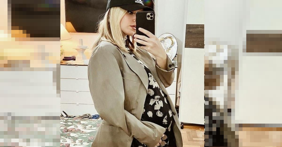 Grande gioia per l'ex allieva di Amici di Maria De Filippi. E' diventata mamma per la seconda volta. Ecco la foto con  la piccola.