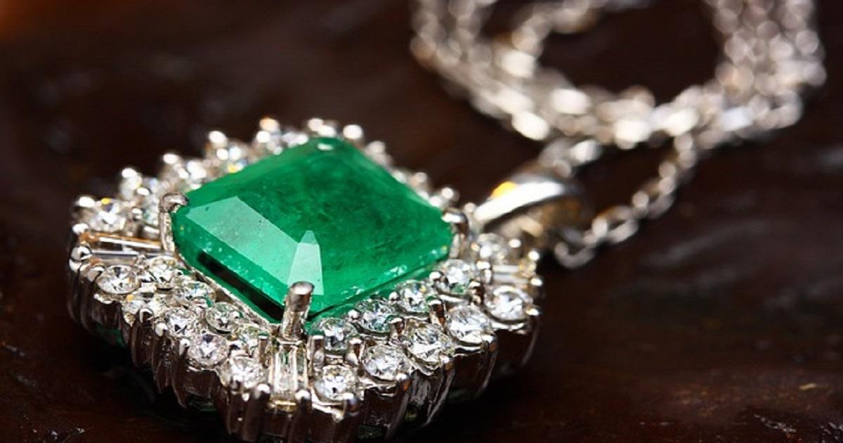 Le verità sconosciute sulle preziose pietre verdi: gli smeraldi