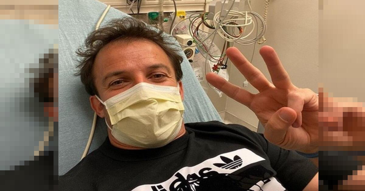 Alessandro Del Piero posta una foto dall'Ospedale ma tranquillizza subito i fan. Ecco cosa gli è successo.