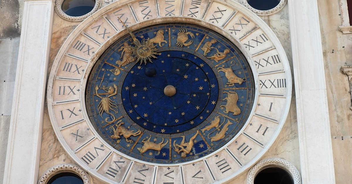 I 5 segni zodiacali più superficiali che arrivano a fare qualsiasi cosa pur di piacere