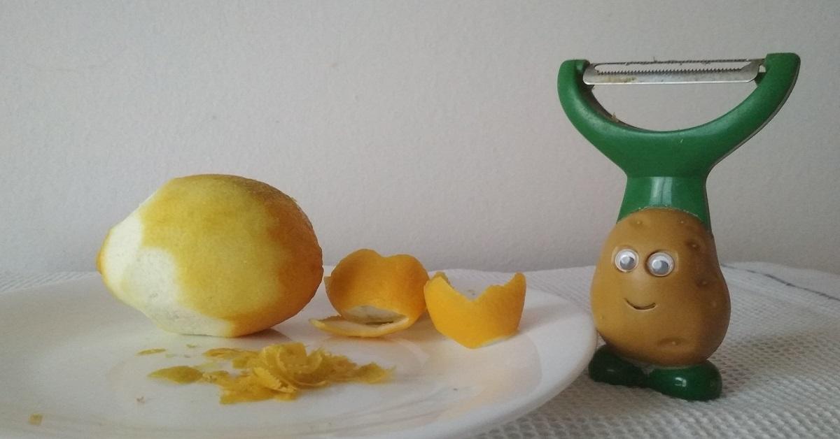 Dovresti conservare sempre le bucce di limone. Ecco perché