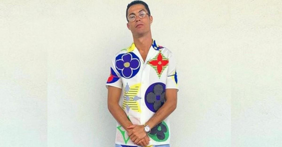 Ronaldo sfoggia un outfit curioso, il suo post viene preso d'assalto da più di 10milioni di followers. Il dettaglio