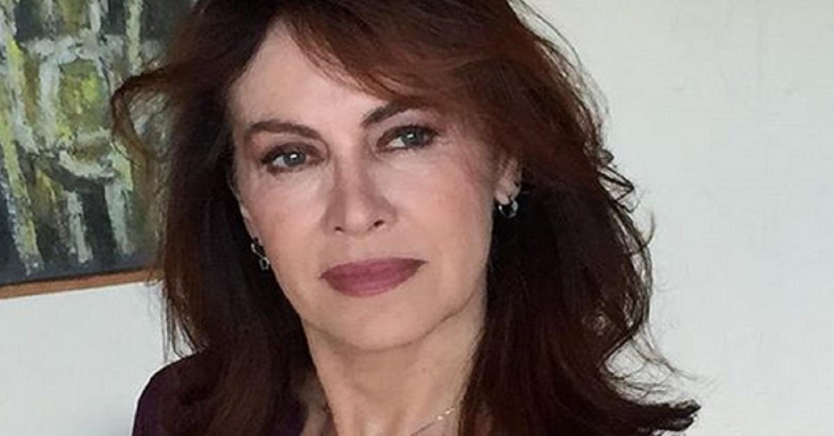 Elena Sofia Ricci ha rivelato che l'ex marito l'ha tradita con una collega e amica molto famosa. Ecco di chi si tratta.