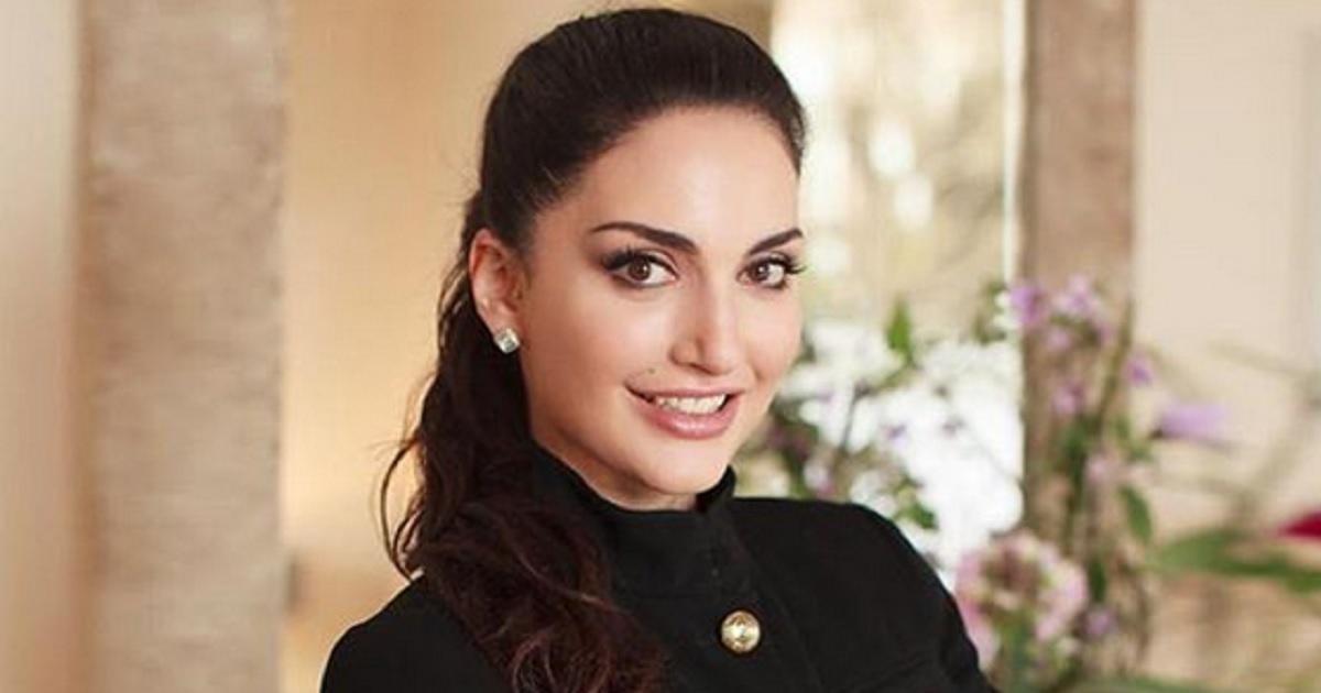 E' la figlia della famosa conduttrice di Raiuno, si chiama Angelica ed è una donna in carriera che ricopre ruoli importanti.
