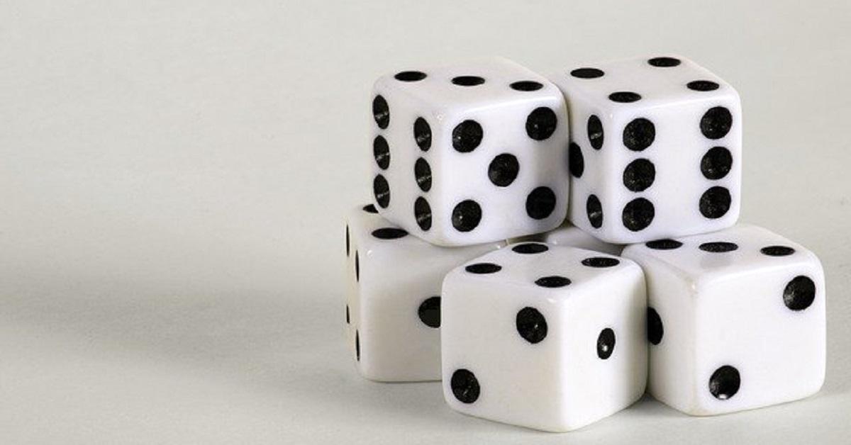 L'ultimo rompicapo visivo: riesci a trovare l'errore sui dadi? Foto e soluzione