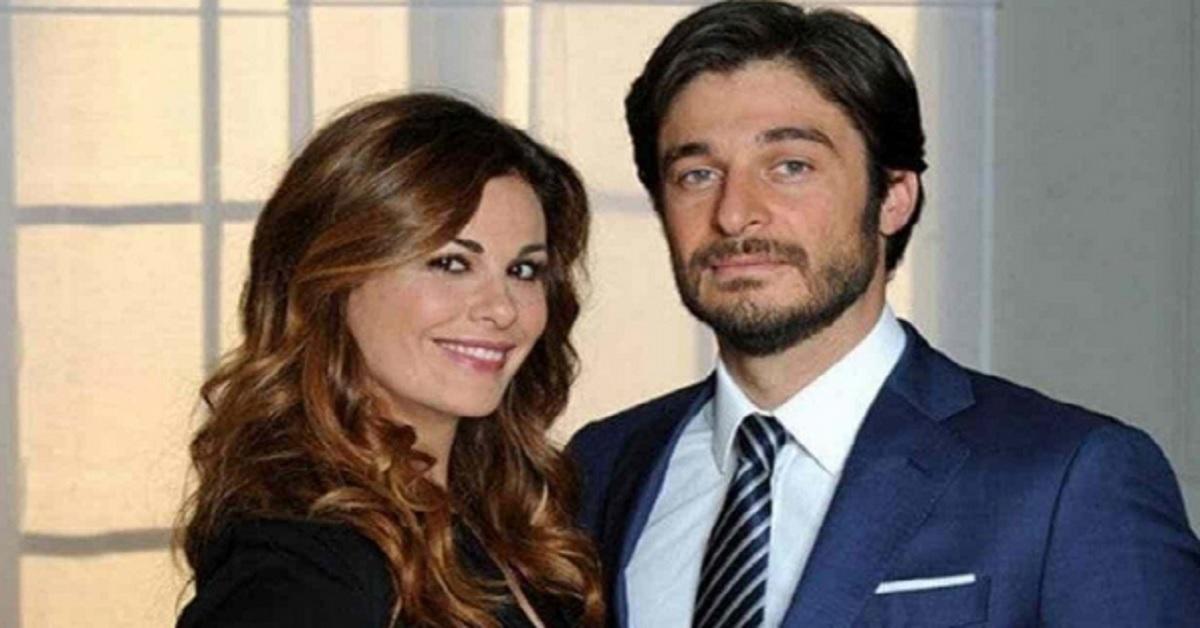 """L'attore di """"Che Dio ci aiuti"""" e di """"Non dirlo al mio capo"""" è convolato a Nozze in gran segreto. Ecco la prima foto di Lino Guanciale con la moglie."""