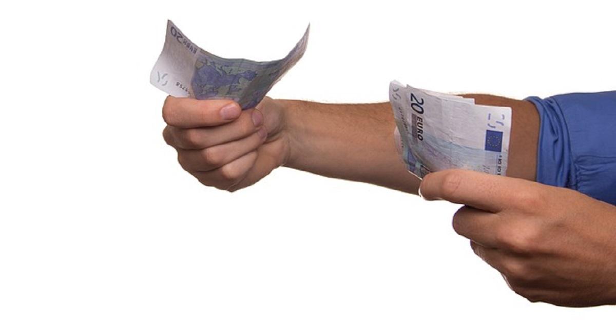Prestare dei soldi ai figli senza incorrere in sanzioni. Come procedere.