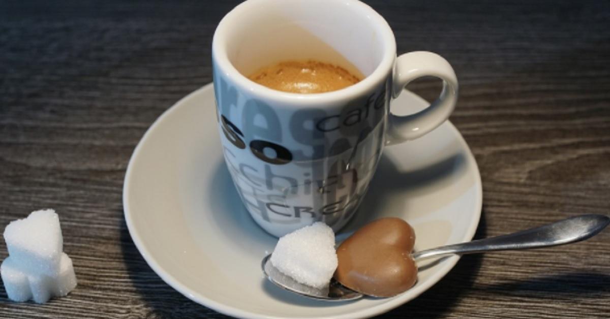 5 alimenti che ti svegliano  come il caffè. Probabilmente li  mangi già ma non sapevi avessero lo stesso effetto.