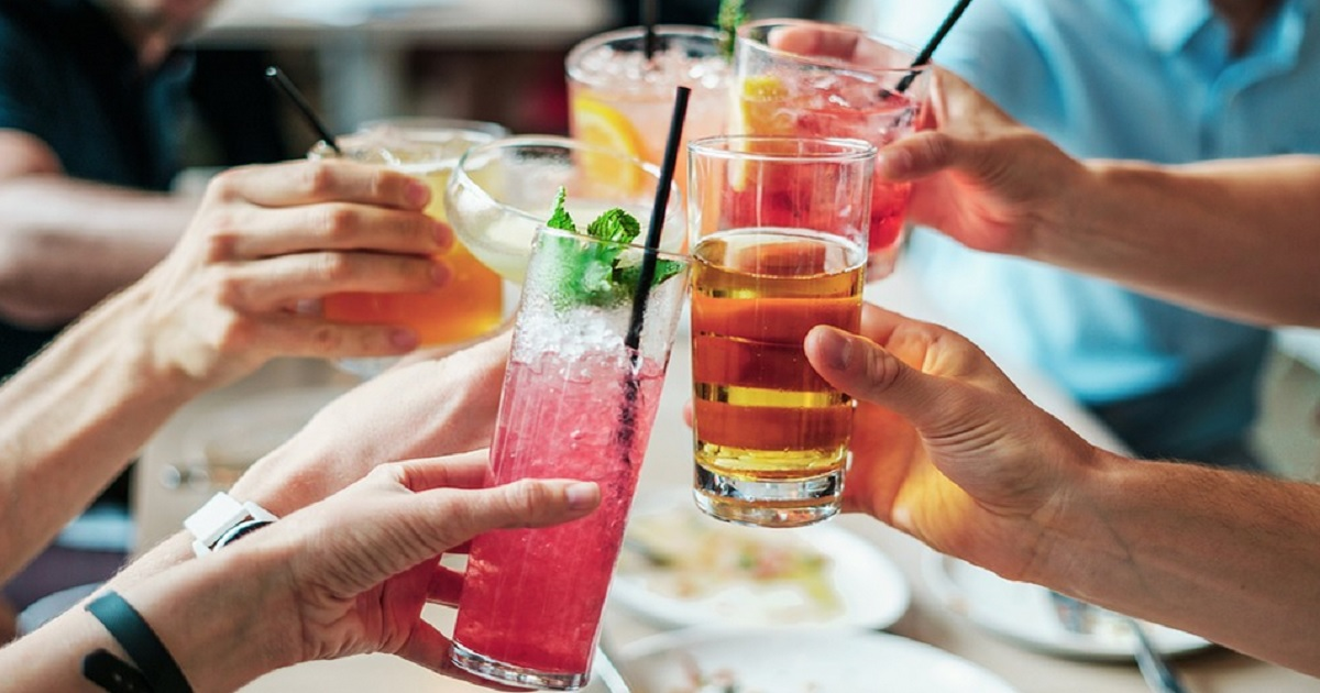 Quale cocktail  è adatto al tuo segno zodiacale? Un cocktail  per ogni segno, scopri qual è il tuo