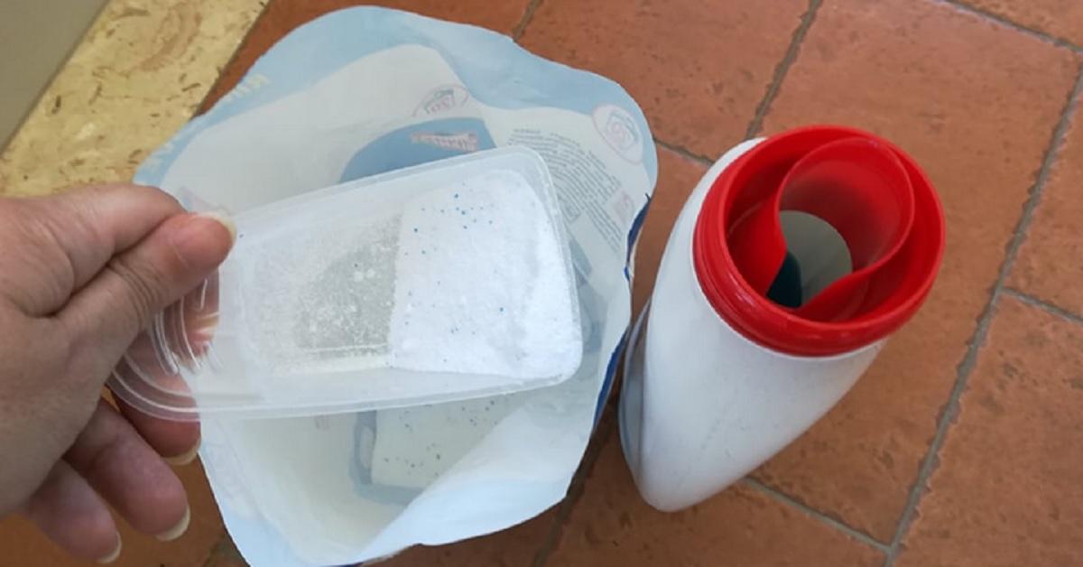 Volete sapere quali prodotti intasano meno le vostre tubature? Detersivo liquido o in polvere?