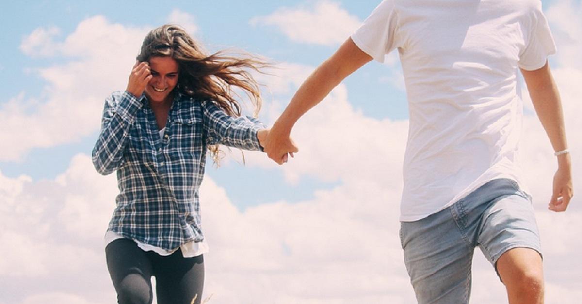 L'età non conta!Ecco i segni zodiacali che sono soliti intraprendere una relazione con un o una partner più grande