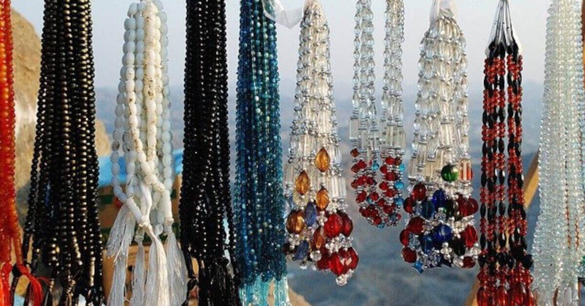 Quali gioielli si adattano meglio alle donne, in base al segno zodiacale