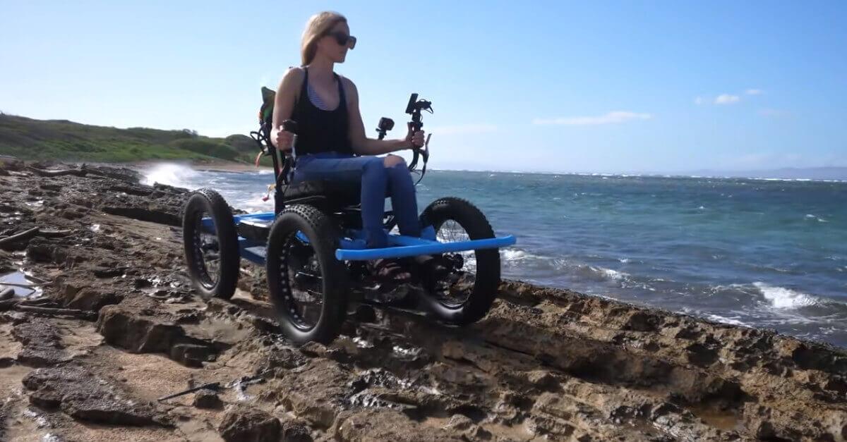 Ha inventato una sedia a rotelle in modo che sua moglie possa correre a 20 chilometri all'ora [VIDEO]