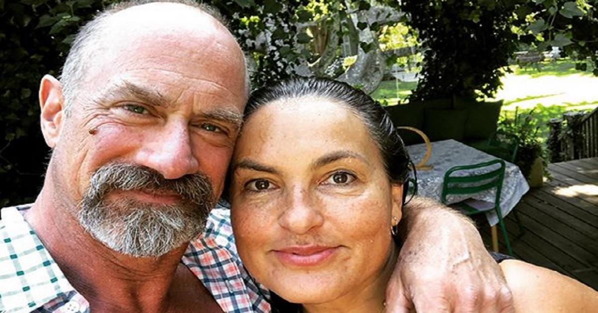 Elliot e Oliva sono pronti a tornare insieme in tv. Ma avete mai visto la moglie di Chris Meloni? La loro è tra le coppie più longeve di Hollywood.