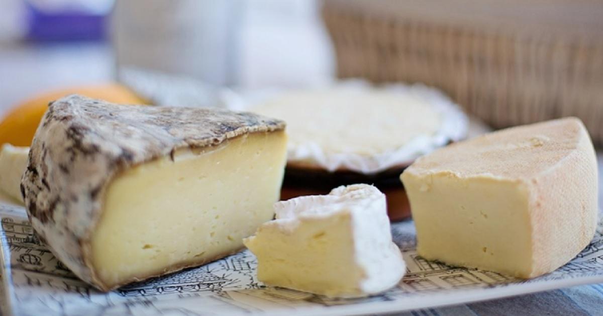 Muffa sul formaggio? Cosa fare e come conservarlo al meglio