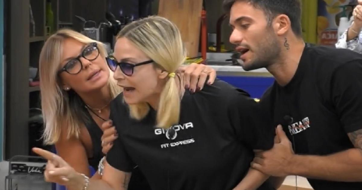 """Grande Fratello Vip: Stefania Orlando scoppia contro la coinquilina e le urla""""Capra, capra, capra"""". VIDEO"""