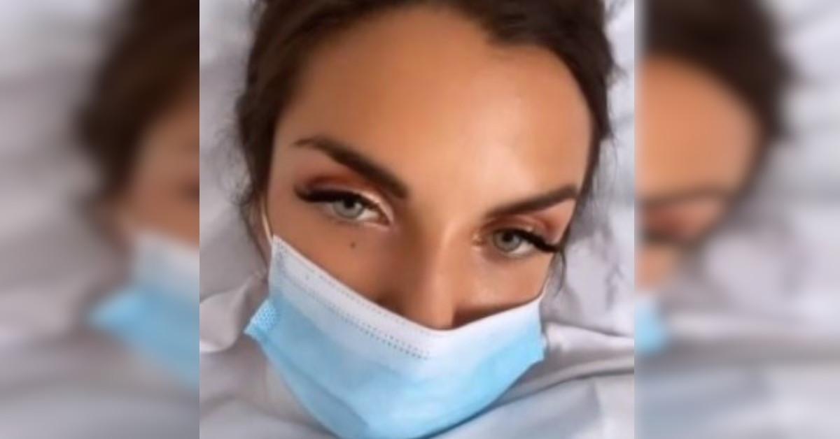 Elettra Lamborghini posta delle storie Instagram da una clinica e preoccupa i Fan.