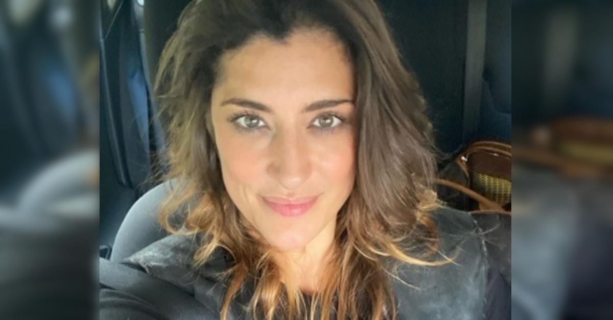 Elisa Isoardi si dichiara single e confessa di aver perso alcuni chili. Ecco quanti.